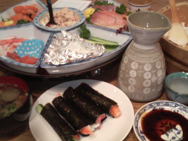 手巻き寿司を熱燗で〜!