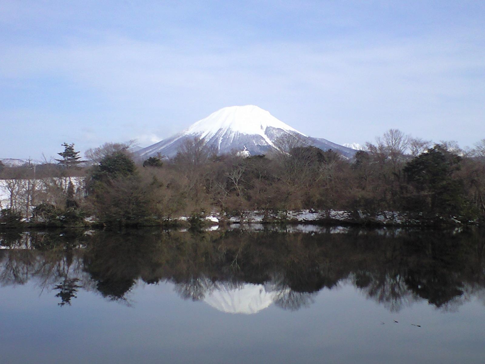 逆さ大山 上野池