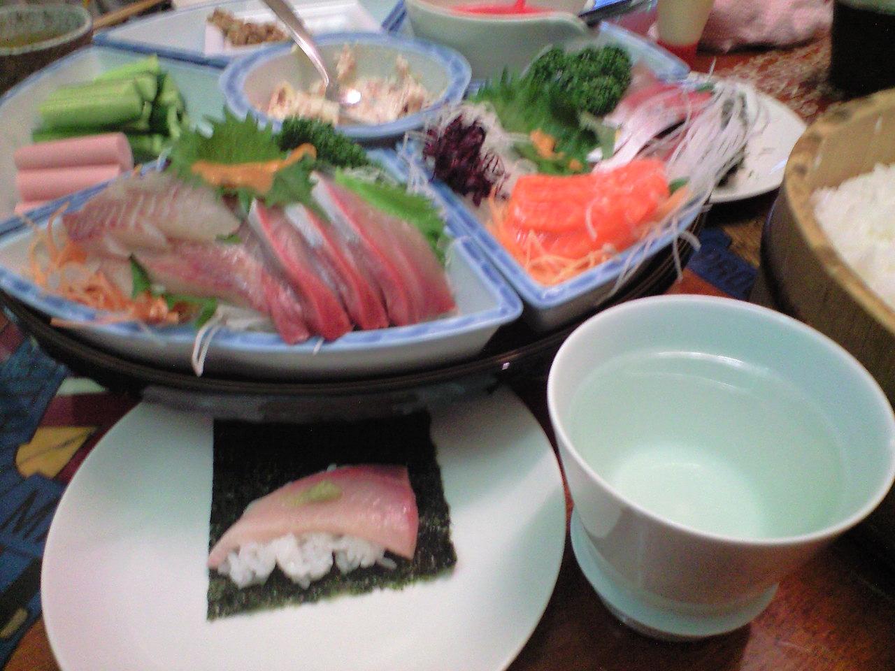 手巻き寿司と日本酒で乾杯〜!