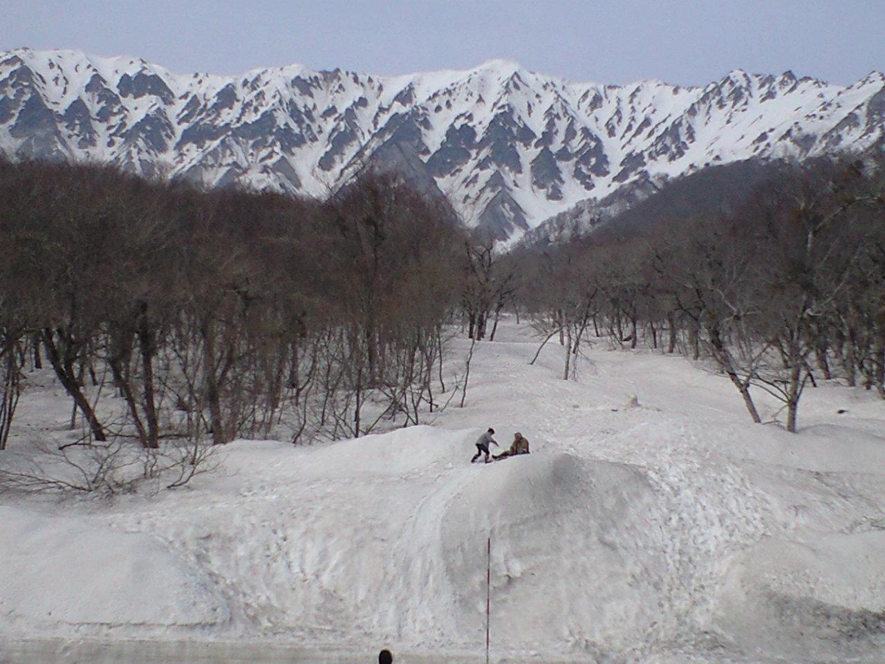 天空の道 まだまだ雪の回廊!