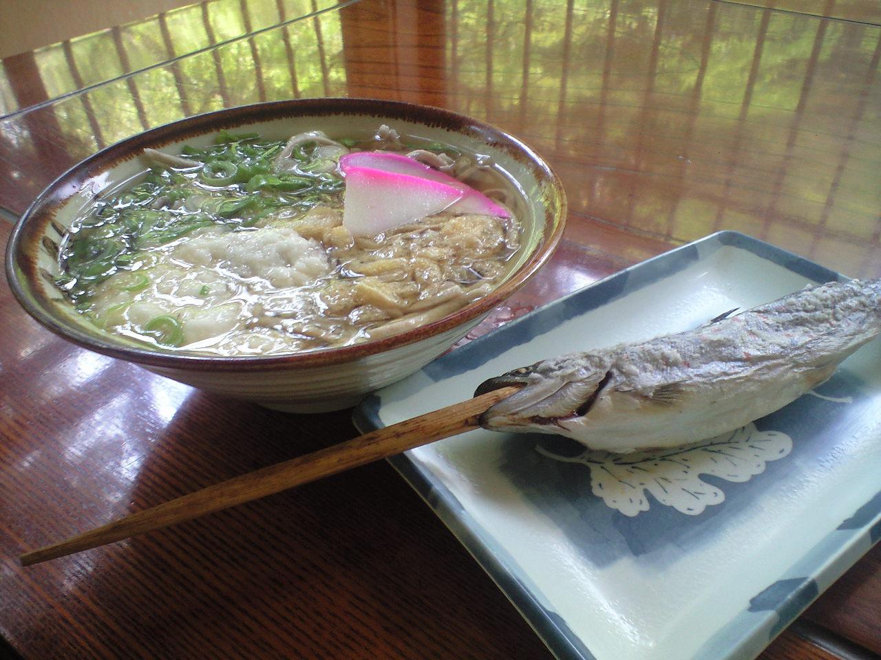 祖谷の田舎蕎麦とアメゴ塩焼き