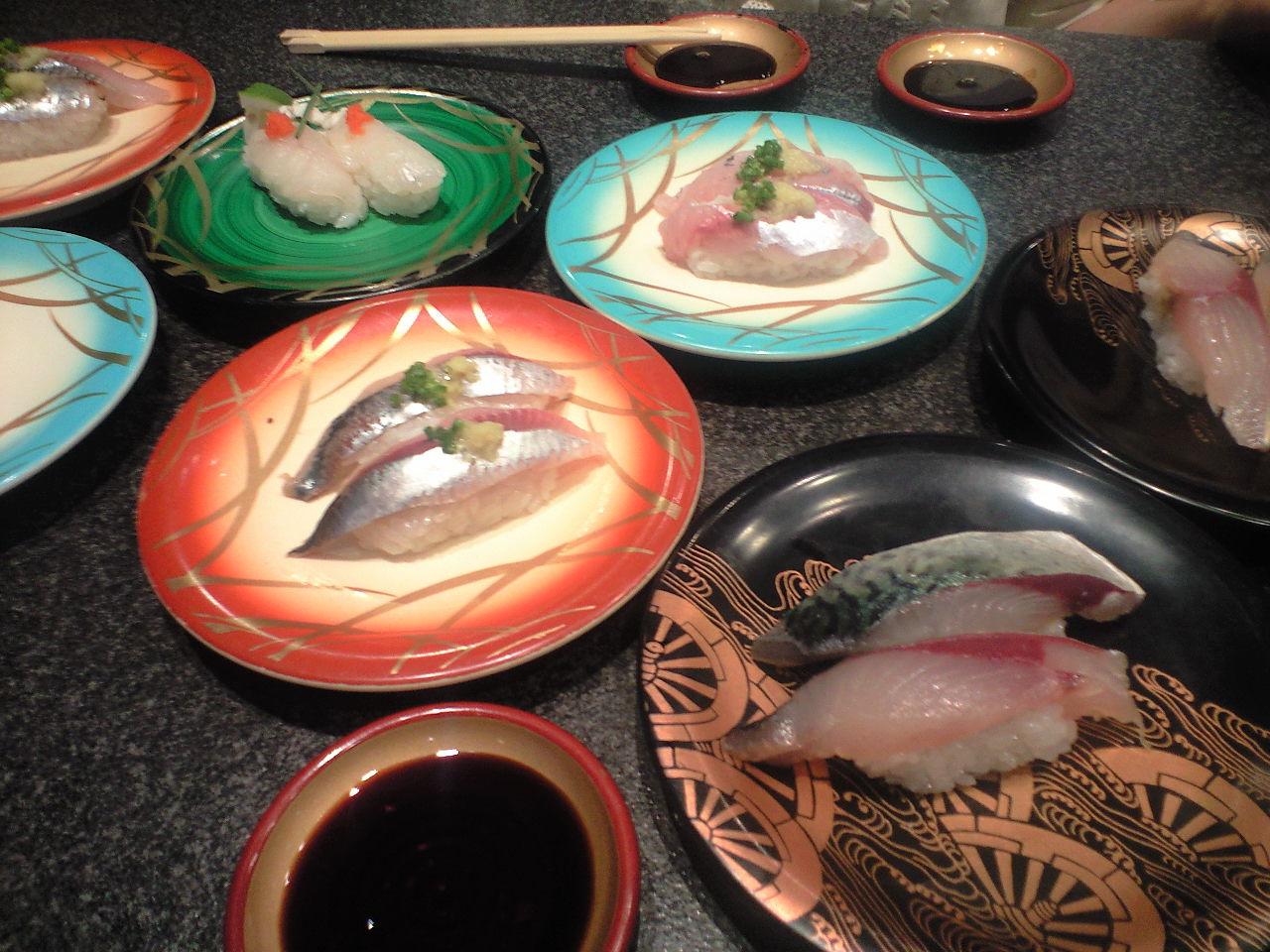門司レトロの回転寿司