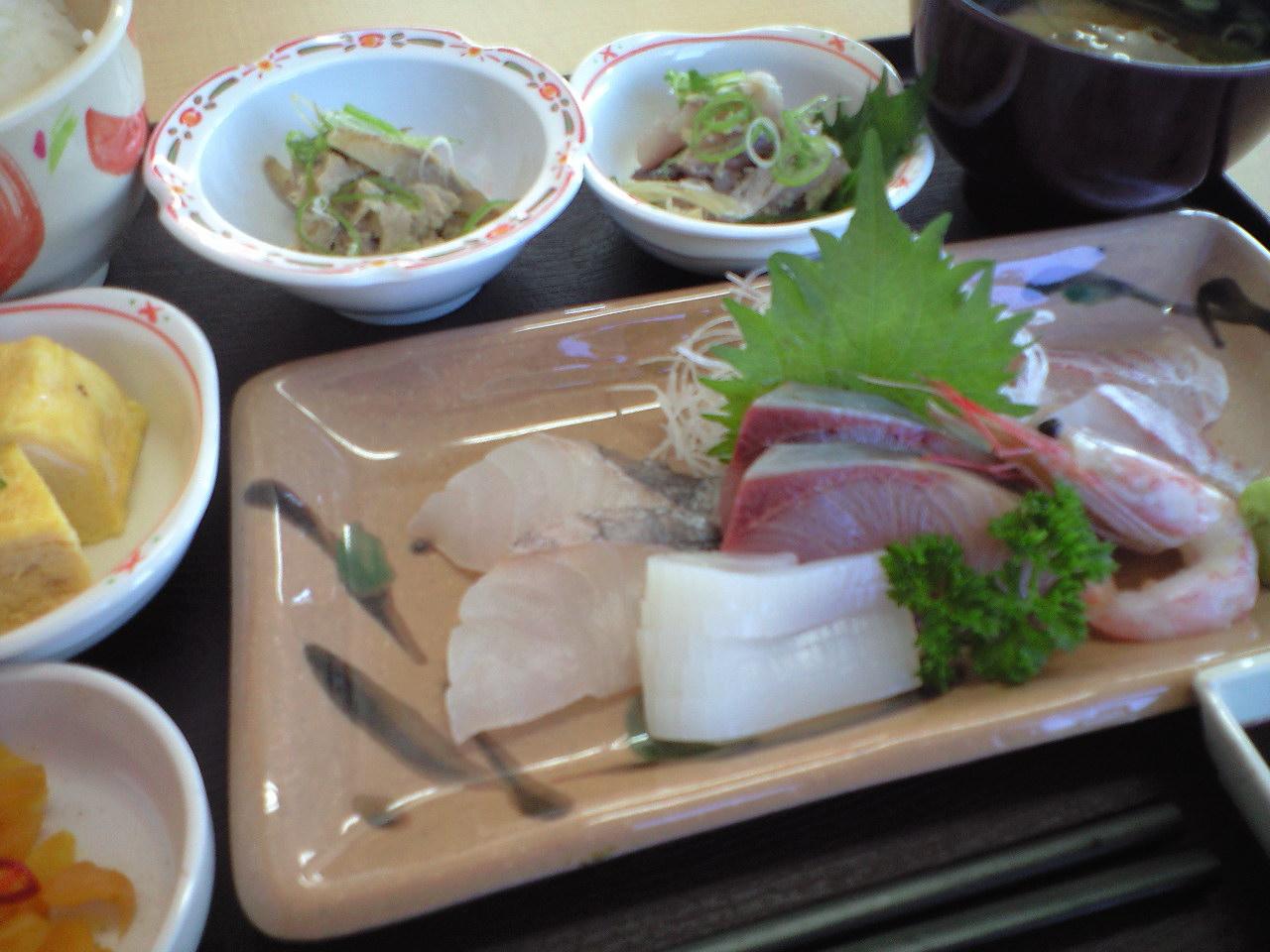 日本海の地どれ鮮魚・お刺身定食〜♪