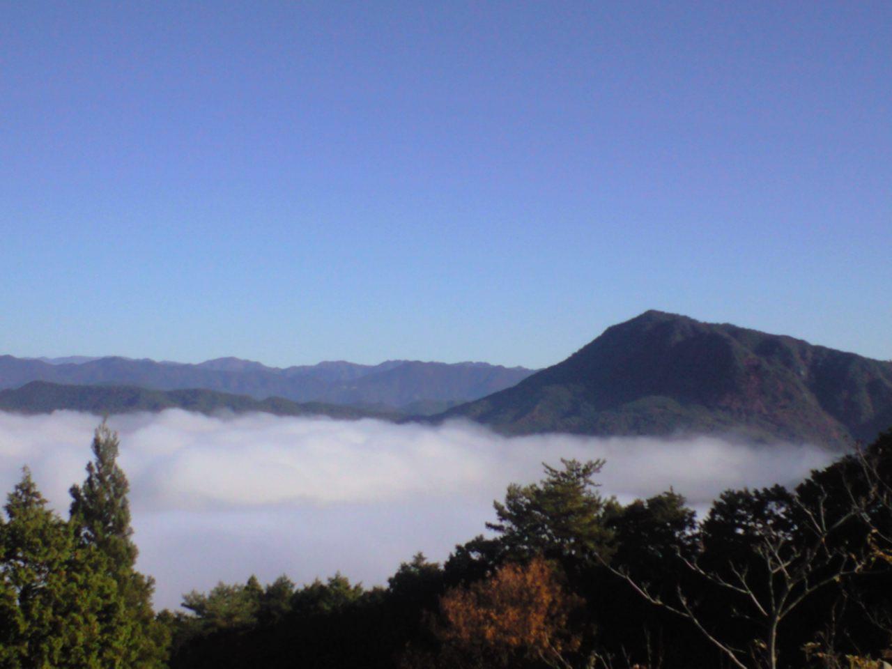 只今、雲の上からブログちう〜♪