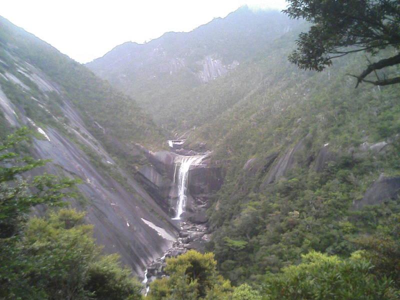 千尋滝にいます