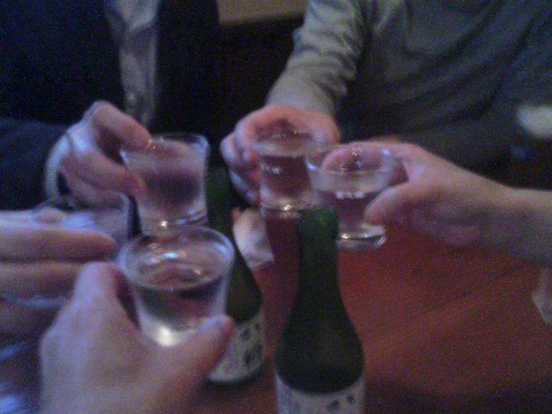 とりあえず日本酒で乾杯〜!