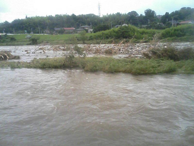 日野川の水も引いてきました・・・。