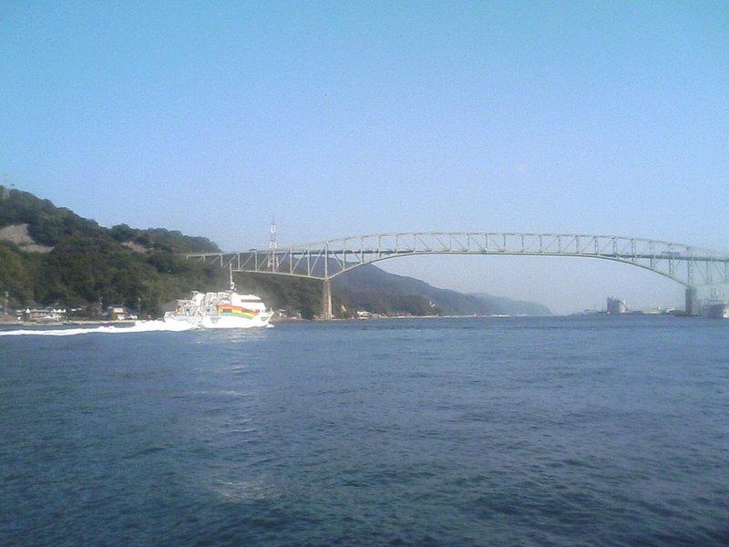 レインボーと境水道大橋