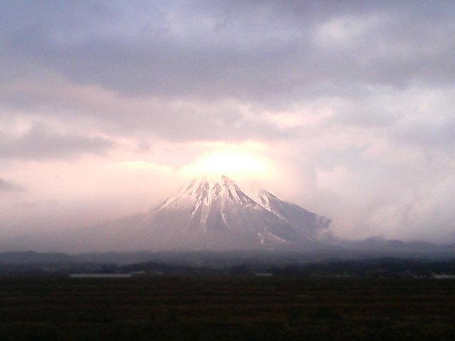 神々しい大山